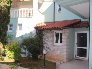 Studio apt BBQ&Terrace (4) - Premantura vacation rentals