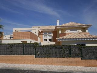 4 bedroom Villa with Internet Access in Vale do Lobo - Vale do Lobo vacation rentals