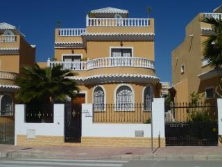 3 bedroom Villa with Internet Access in San Fulgencio - San Fulgencio vacation rentals