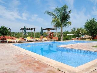 Qta São João-Villa Amendoeira - Quelfes vacation rentals