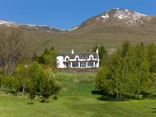 Perfect 6 bedroom Lawers Manor house with Deck - Lawers vacation rentals