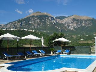 Agriturismo l'Uliveto - Casoli vacation rentals