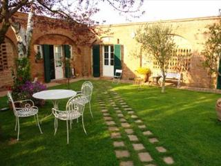 2 bedroom Apartment with Shared Outdoor Pool in Guazzino - Guazzino vacation rentals