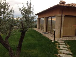 Bright 4 bedroom Villa in Montone with Internet Access - Montone vacation rentals