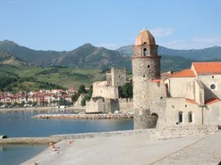 Collioure apt with pool and beach close by. - Collioure vacation rentals