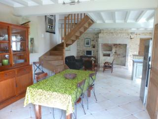 3 bedroom Cottage with Internet Access in Valognes - Valognes vacation rentals