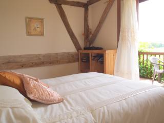 Bed and Breakfast Near Montpon-Menestrol - Montpon-Menesterol vacation rentals