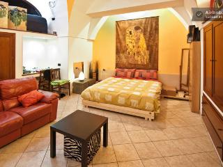 Cozy 1 bedroom House in Galatina with A/C - Galatina vacation rentals