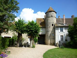 Comfortable Bed and Breakfast with Internet Access and Central Heating - Magny-Cours vacation rentals