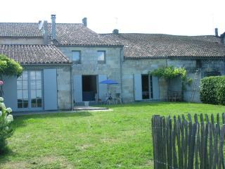 Le Cinéma de St Philippe d'Aiguilhe - Andernos-les-Bains vacation rentals
