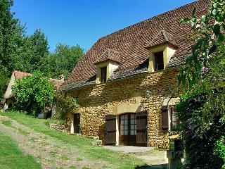 3 bedroom Farmhouse Barn with Internet Access in Saint-Andre-d'Allas - Saint-Andre-d'Allas vacation rentals