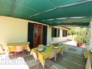 Gorgeous 2 bedroom Montecarlo Villa with Central Heating - Montecarlo vacation rentals