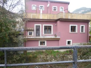 3 bedroom Apartment with Balcony in Pescasseroli - Pescasseroli vacation rentals