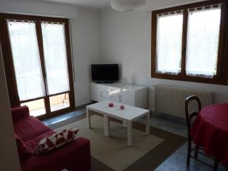 2 bedroom Apartment with Internet Access in Aiglun - Aiglun vacation rentals