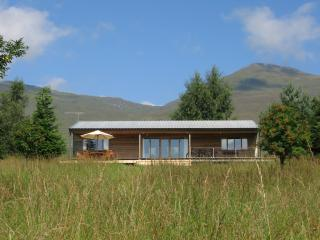 Charming 2 bedroom Cabin in Lawers with Internet Access - Lawers vacation rentals