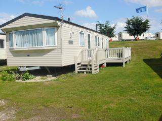 Kessingland Beach 90008 - Beautiful caravan - Kessingland vacation rentals