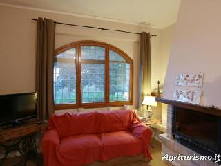 Appartamento Castagno con piscina - Capranica vacation rentals