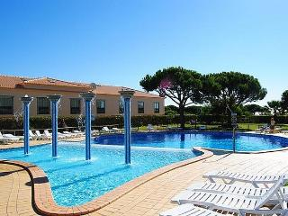 Oura Beach - T1 with pool - Pedra dos Bicos - Albufeira vacation rentals