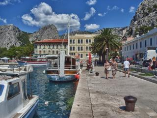 TORETA - Omis vacation rentals