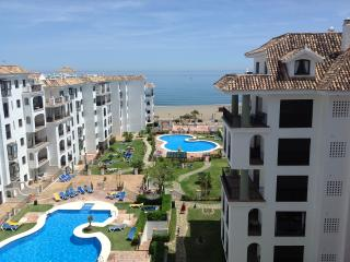 2 bedroom Apartment with Internet Access in Puerto de la Duquesa - Puerto de la Duquesa vacation rentals
