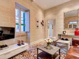 Nice Townhouse with Internet Access and Dishwasher - Sliema vacation rentals