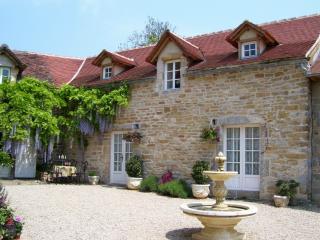 Pretty Cottage & Pool nr. Villefranche de Rouergue - Martiel vacation rentals