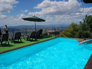 Nice 2 bedroom Condo in Trevi - Trevi vacation rentals
