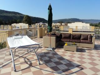 Nice Condo with A/C and Tennis Court - Pizzo vacation rentals