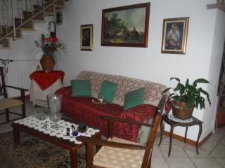 "Affitta camere ""in Sovaglia"" - Lucca vacation rentals"
