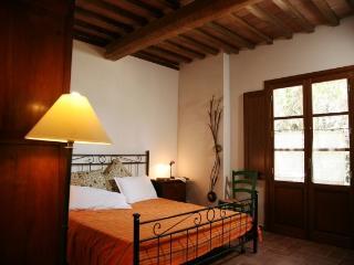 Cozy Finca with Internet Access and Dishwasher - Fabbrica di Peccioli vacation rentals