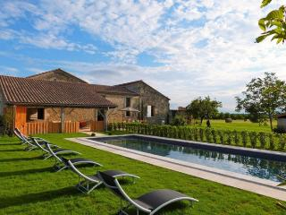 4 bedroom Villa in Nr. Duras, Lot-et-Garonne, South West France, France : ref 2226382 - Baleyssagues vacation rentals
