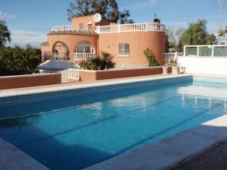 Comfortable 4 bedroom Villa in Elche - Elche vacation rentals