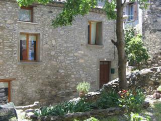2 bedroom Townhouse with Internet Access in Caudies de Fenouilledes - Caudies de Fenouilledes vacation rentals