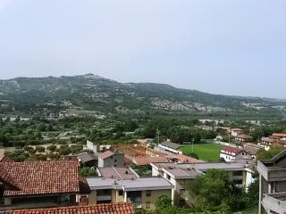 Mansarda di 45 mq al 2 piano in villa bifamiliare - Potenza vacation rentals
