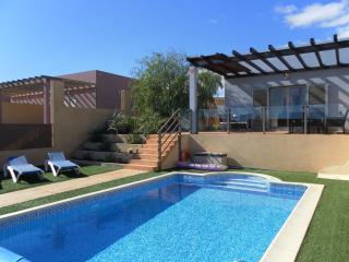 3 bedroom Villa with Internet Access in Caleta de Fuste - Caleta de Fuste vacation rentals