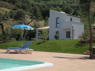 Cefaluincasa - Filicudi 1 - Cefalu vacation rentals