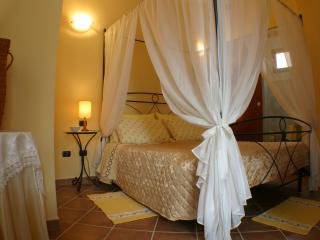 Nice 6 bedroom Riola Sardo Bed and Breakfast with Internet Access - Riola Sardo vacation rentals