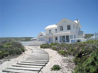 Adorable 4 bedroom Yzerfontein House with Internet Access - Yzerfontein vacation rentals