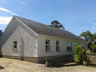 Bright 4 bedroom Enniskillen Bungalow with Internet Access - Enniskillen vacation rentals