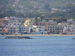 Cozy 2 bedroom Ischia Porto Apartment with Short Breaks Allowed - Ischia Porto vacation rentals