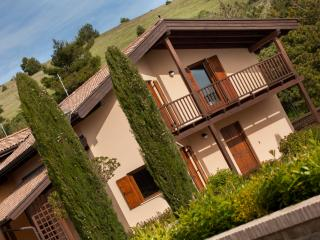 Perfect 3 bedroom Vacation Rental in San Severino Marche - San Severino Marche vacation rentals