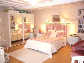 Cozy 1 bedroom Angerville-la-Martel Bed and Breakfast with Central Heating - Angerville-la-Martel vacation rentals