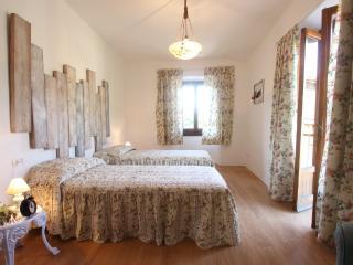 LA CASINA DELLE FATE HomeHoliday in Toscana - San Godenzo vacation rentals