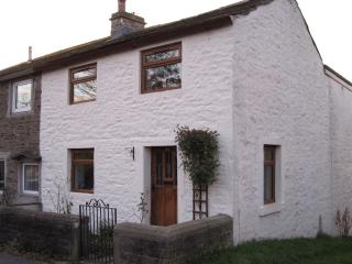 Lovely Cottage with Internet Access and Dishwasher - Foulridge vacation rentals