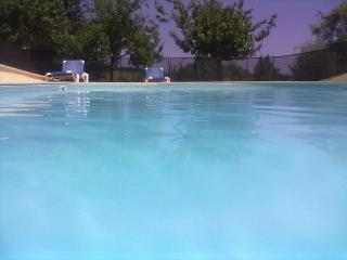 An Diadan - Gite sleeps up to 6, with shared pool - Loubes-Bernac vacation rentals