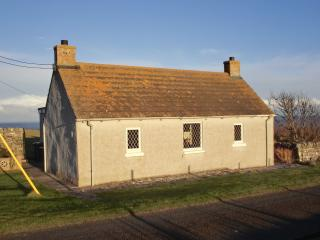 Charming 2 bedroom Cottage in Wick with Cleaning Service - Wick vacation rentals
