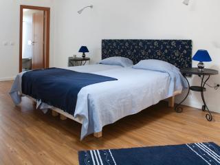 7 bedroom Farmhouse Barn with Internet Access in Entroncamento - Entroncamento vacation rentals