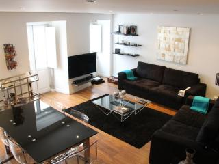 LUXURY DUPLEX  - AV.LIBERDADE - Lisbon vacation rentals