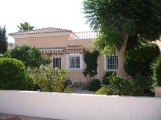 Wonderful 3 bedroom Los Alcazares Villa with Internet Access - Los Alcazares vacation rentals