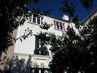 Charming house in Menilmontant - Asnieres-sur-Seine vacation rentals